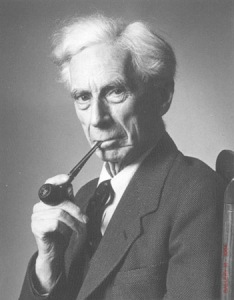 bertrand-russell-smokes-pipe